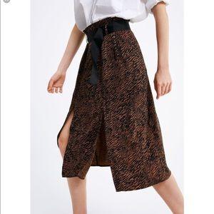 Zara Belted Animal Print Skirt size M